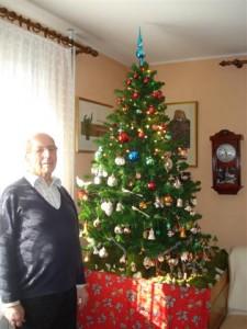 Jože Berlec od božičnem dreveščku in jaslicah