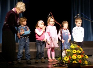 OPZ Cicibani DKD Solidarnost Kamnik z zborovdkinjo Marino Aparnik nastopili na Območni reviji otroških in mladinskih pevskih zborov Občin Kamnik in Komenda 2009