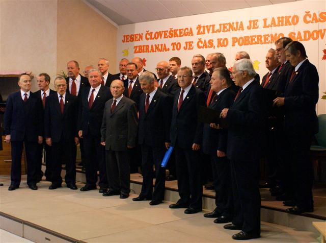 Partizanski pevski zbor Ljubljana koncert posvetil prof. Viktorju Mihelčiču